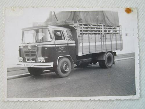 Camió Nazar de l'empresa TRANSPORTS I GRUES ÀNGEL VILAR SA