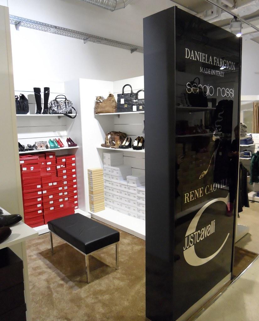 luxury mall all 39 interno del designer outlet soltau german flickr. Black Bedroom Furniture Sets. Home Design Ideas
