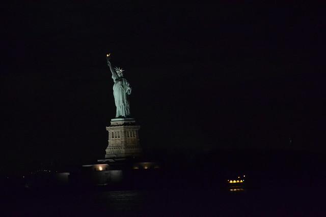 statue of liberty night - photo #38