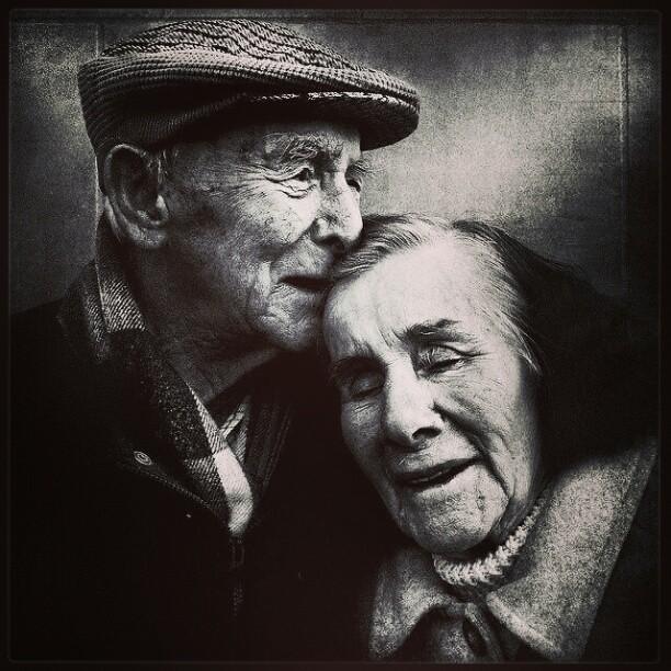 Yaşamak ümitli bir iştir sevgilim yaşamak seni sevmek gibi ciddî