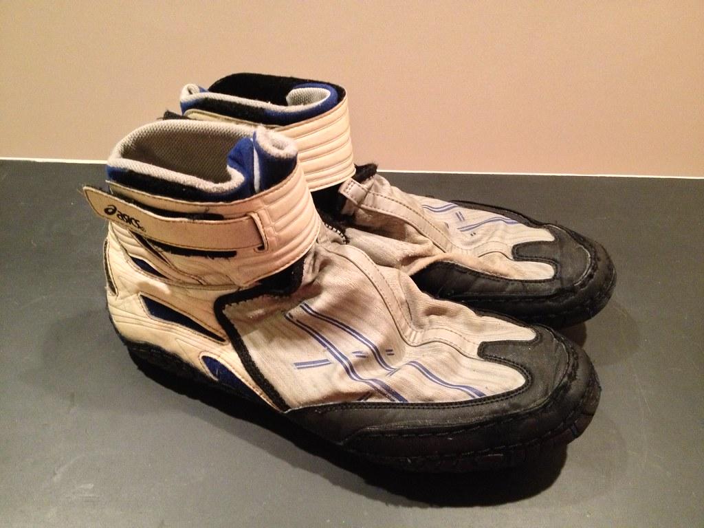 Asics 54 Wrestling Shoes - GONE | GONE | GoCobbers95 | Flickr