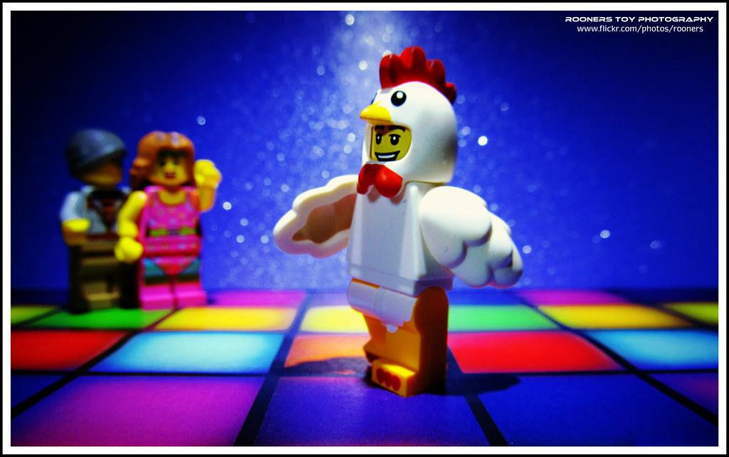 Disco dancing chicken - YouTube