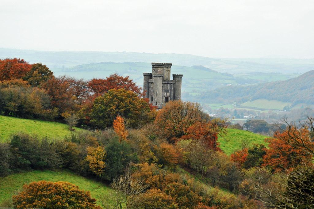 Twr Paxton ger Llanarthne, Sir Gaerfyrddin....Paxton Tower ... | 1024 x 682 jpeg 306kB