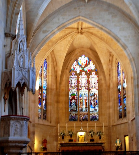 Bordeaux - Church of St. Eloi, stained glass windows | tourist visit