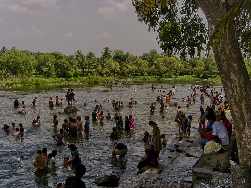 Bathing in kaveri at hogenakkal quite risky here more for Bathing images