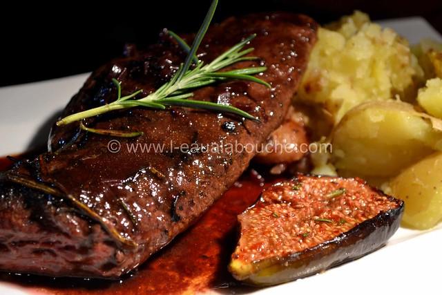 Magret de Canard Sauce au Bordeaux & Figues Rôties © Ana Luthi Tous droits réservés 33