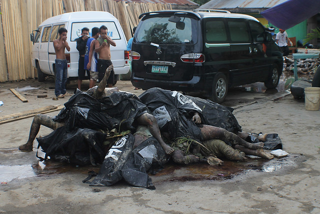 Pile Of Bodies : Pile of bodies flickr photo sharing