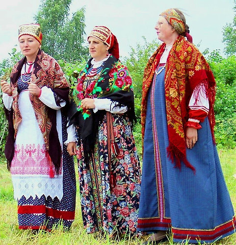 Russian-traditional-dress