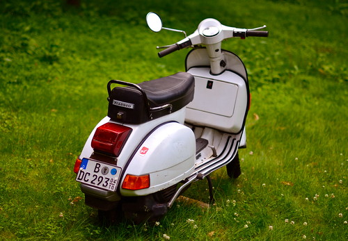 my vespa px 80 the best commuting vehicle i ever owned. Black Bedroom Furniture Sets. Home Design Ideas