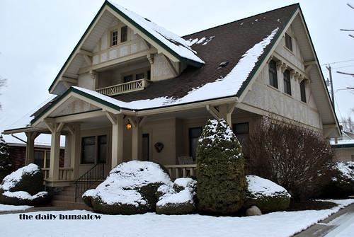 Huge chalet style bungalow corbin park historic district for Chalet style bungalow images