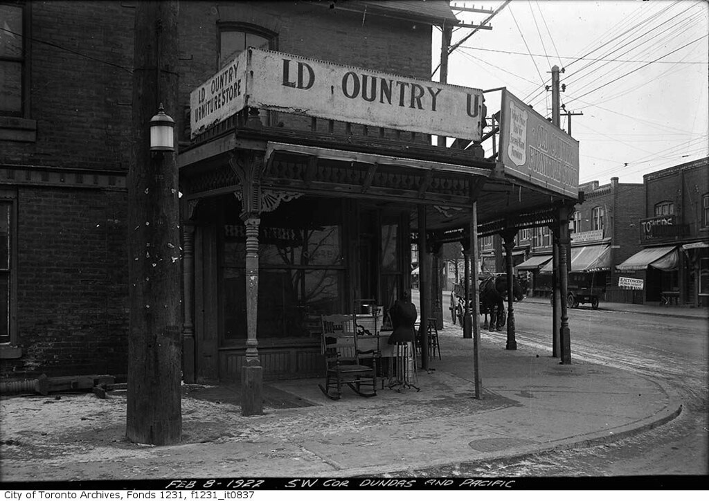 East End Toronto Dinner Party Rooms
