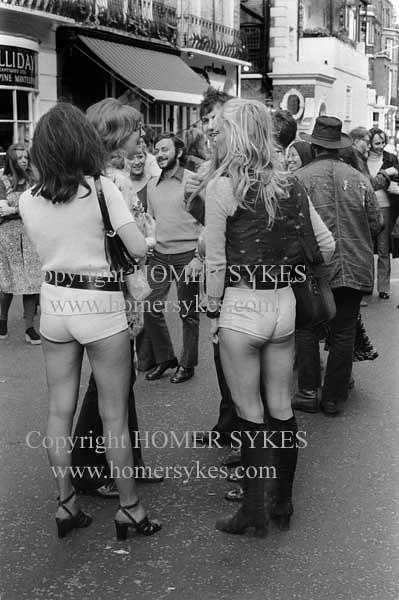 1970S Mature Woman Women Hot Pants London Uk 70S Style Uk -1467