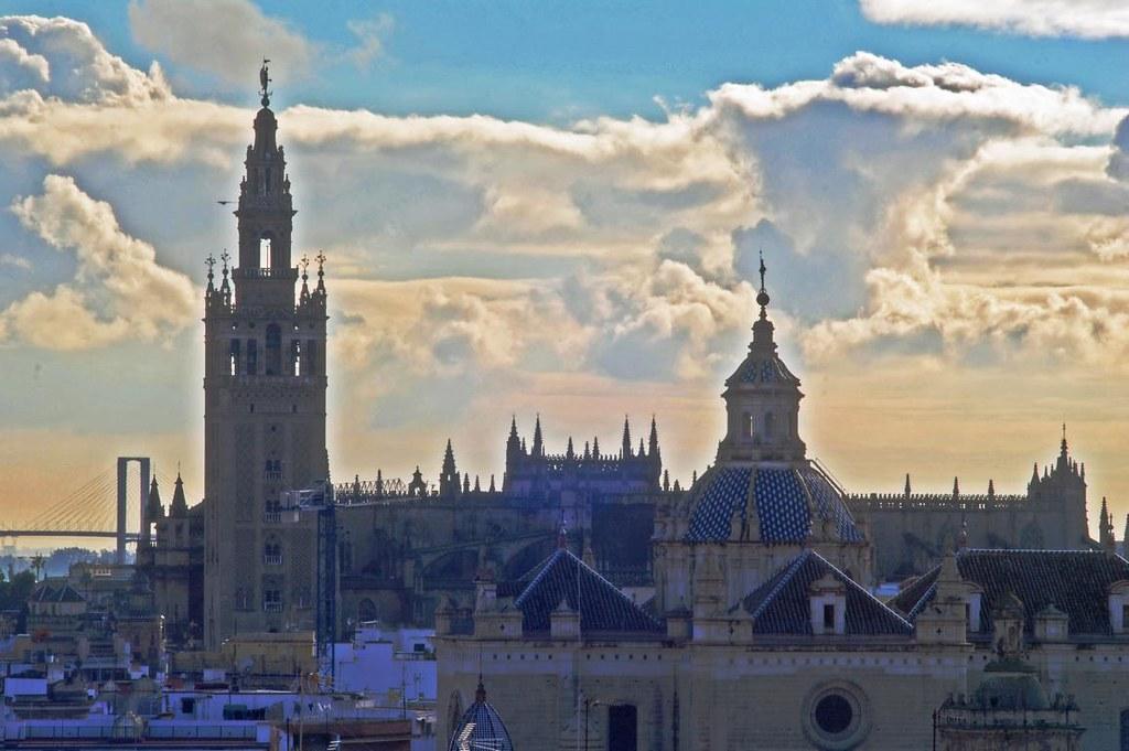 Panorámica de la Giralda + Catedral de Sevilla desde las S…  Flickr