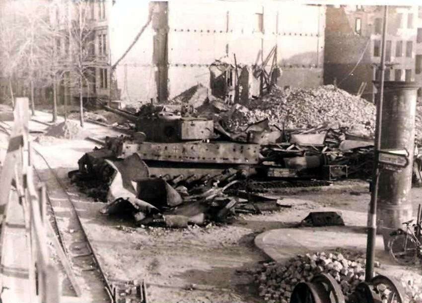 Tiger on altonaer straße berlin may 1945 glory the largest