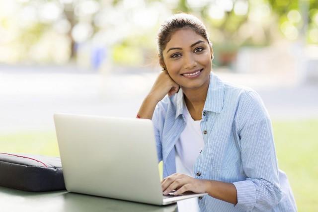 indian-girl-at-computer.jpg