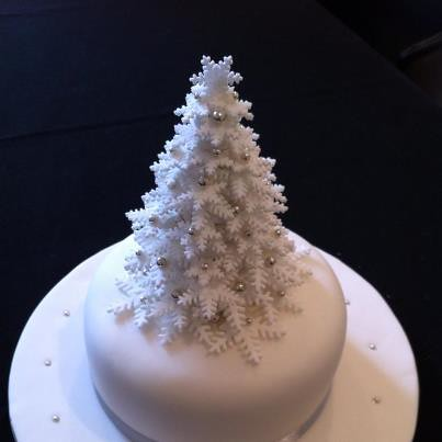 Snowflake Christmas Tree Cake Galatia On Cloud9 Flickr