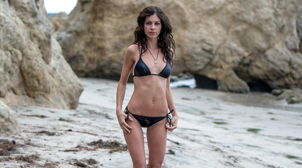 Nikon D800e Photos Of Beautiful Brunette Swimsuit Bikini M