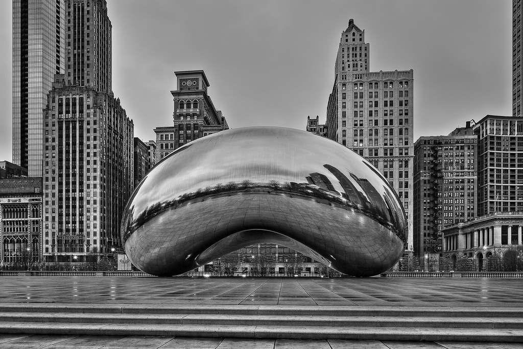 Cloudgate Chicago 39 S Bean Taken On An Early Cloudy