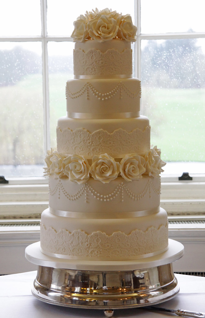 5 Tier Ivory Wedding Cake | It was such a gorgeous venue, se… | Flickr