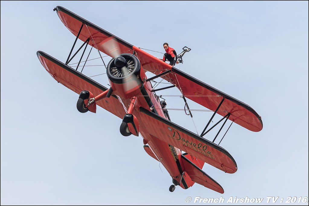 46 Aviation Wingwalker Danielle , 46 Aviation , N450D , Stearman, Kaydet , Wingwalker Danielle , Meeting Aerien Roanne 2016, Meeting Aerien Roanne , ICAR Manifestations , meeting aerien roanne 2016 , Meeting Aerien 2016 , Canon Reflex , EOS System