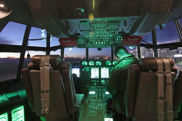 موسوعة طائرة النقل التكتيكي الاحدث C-130J Super Hercules بجميع أنواعها   8360235676_ed1c3ef6eb_z