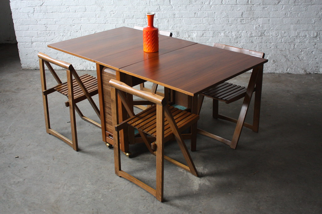 Insane Danish Mid Century Modern Drop Leaf Gate Leg Table