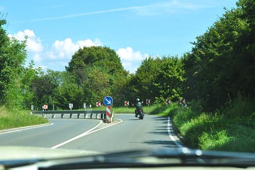 Oldtimer-Rundfahrt Ford Mustang 1966, August 2016. Strecke: Schwetzingen - Plankstadt - Wieblingen - Edingen - Neckarhausen - Seckenheim. Fotos aus dem fahrenden Auto. - Foto: Brigitte Stolle
