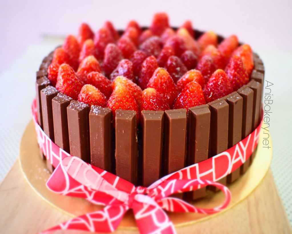 Kit Kat Strawberry Birthday Cake