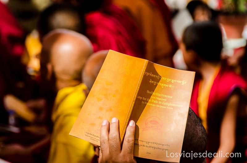 libro de una conferencia del Dalai Lama