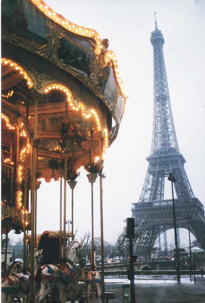 Paris je t 39 aime facebook page portfolio behance on for Europeanhome com