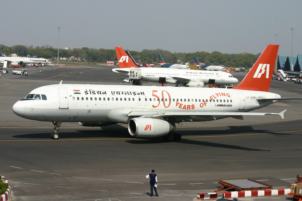 "VT-EPP Airbus A.320 Indian Airlines with ""50 Years Of Flying"" Titles"