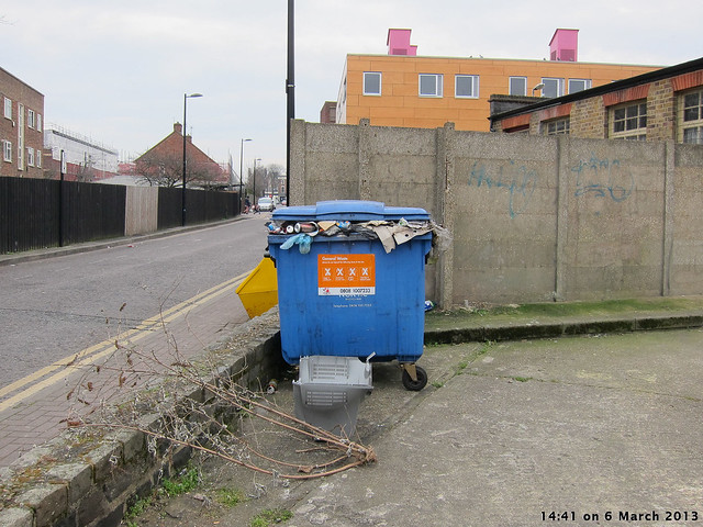 Waste bin in car park c stoneleigh road flickr photo sharing - Rd rubbish bin ...