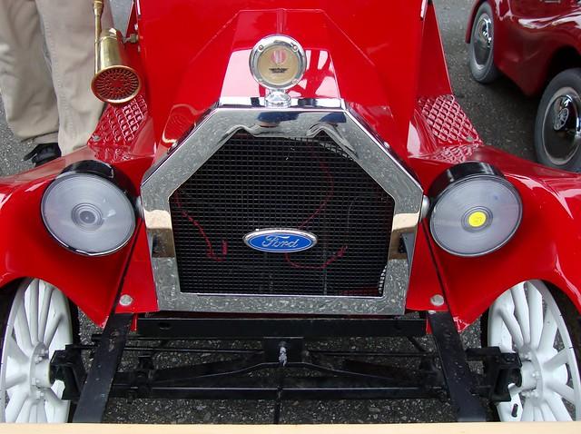 Mini model t parade car