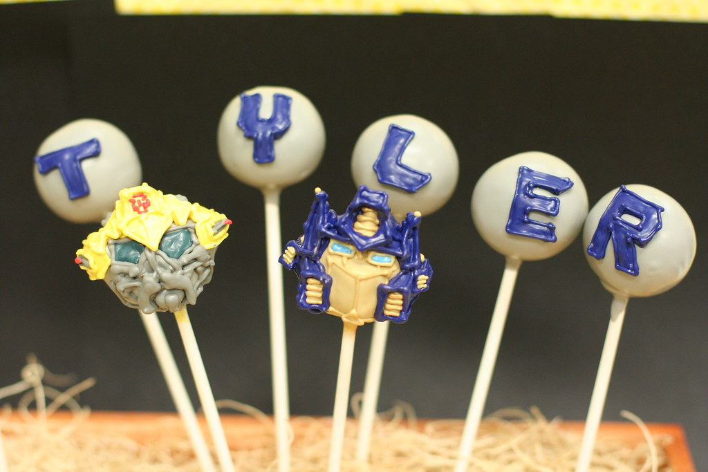 Bumble Bee Themed Cake Pops
