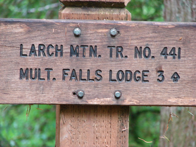 Larch Mountain Trail sign
