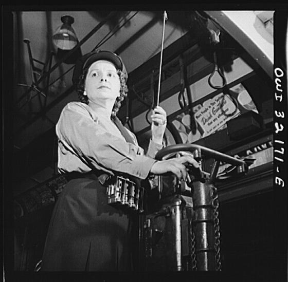 A DC Streetcar Woman: 1943