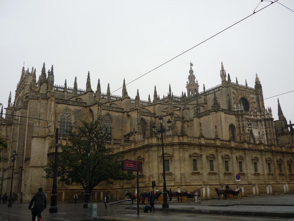 Sevilla catedral exterior catedral de estilo g tico for Exterior catedral de sevilla
