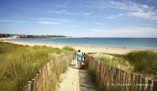 Acc s la grande plage de st cast le guildo la grande pla flickr - Office tourisme saint cast ...