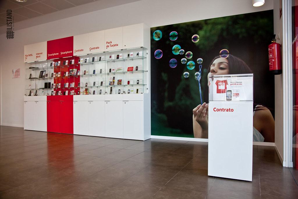 Mobiliario Para Tiendas De Telefon A Tienda Vodafone