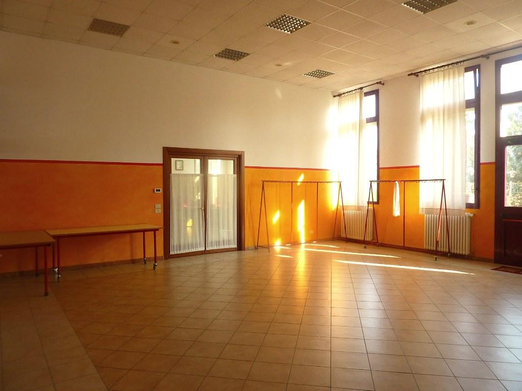 Decorazioni Sala Laurea : Sala gialla mq ideale per pranzi e cene cucina tipo u flickr