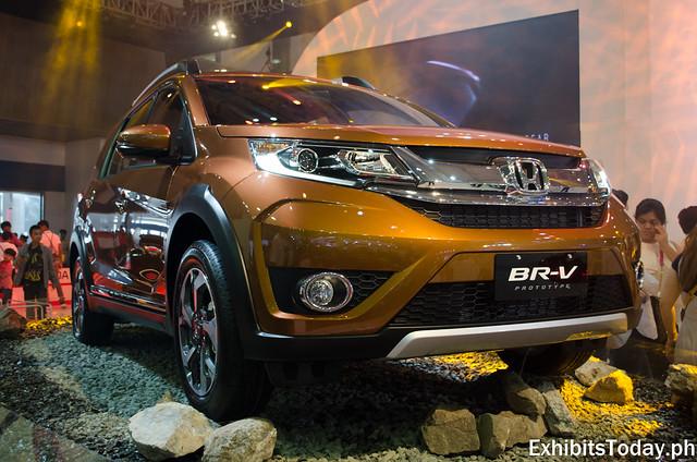 Honda BR-V (Gold)