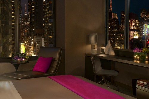 W New York Times Square Cool Corner Room