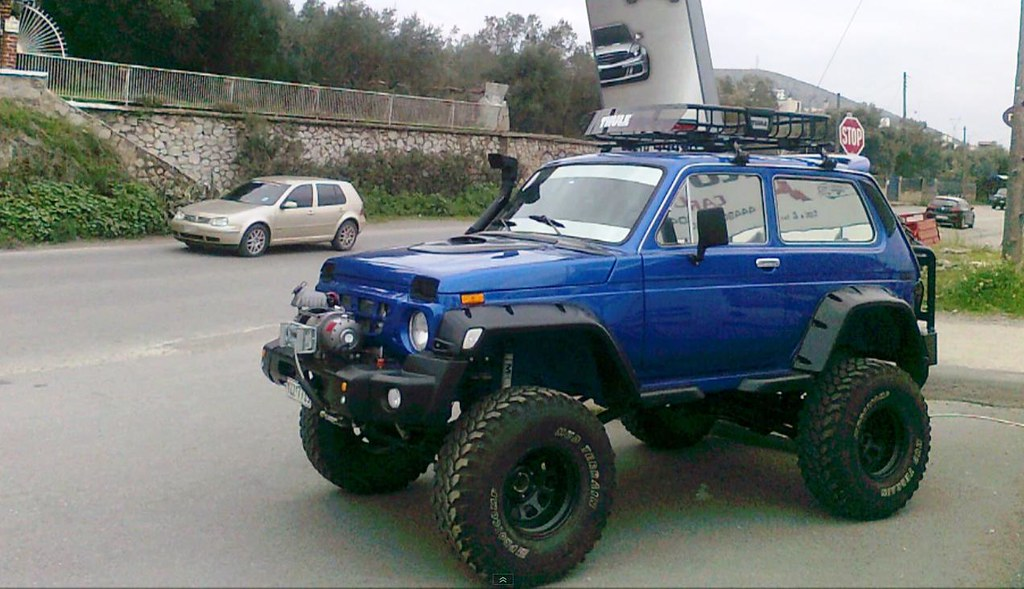 niva lada rus 2 russian off road car lada niva tuned up. Black Bedroom Furniture Sets. Home Design Ideas
