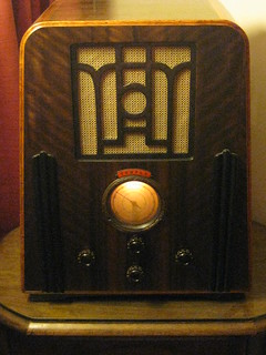 A 1935 Temple Art Deco Wireless Radio | by raaen99