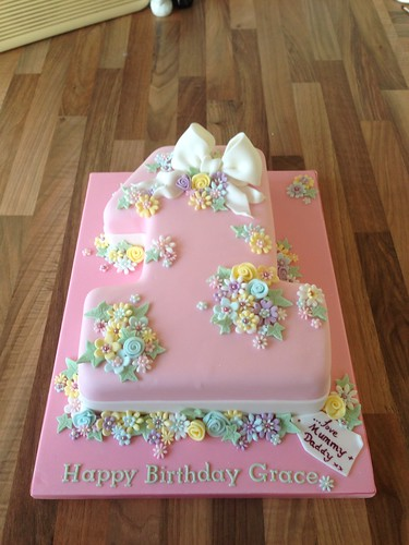 Number 1 First Birthday Cake The Rosebud Cake Company