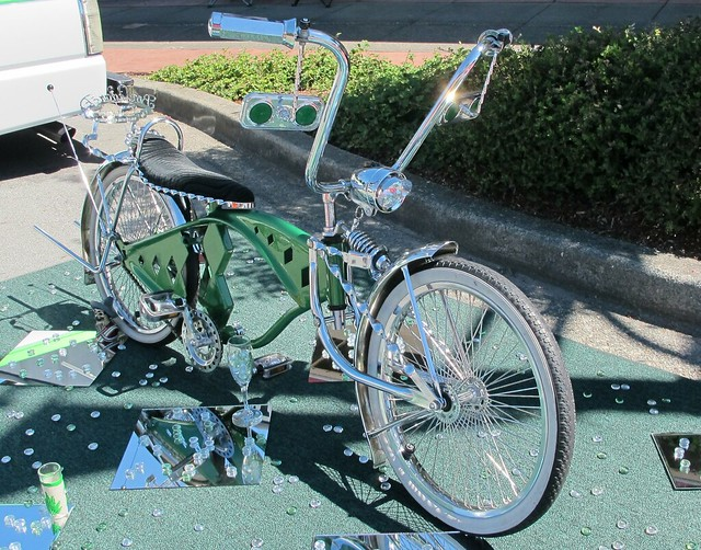28 custom lowrider bicycles tips for enhancing a low rider bicycle. Black Bedroom Furniture Sets. Home Design Ideas