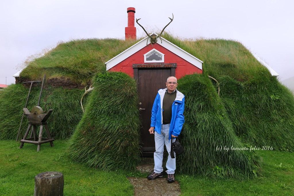 Bakkager i islandia casa turf casa de c sped granja linda flickr - Casas en islandia ...