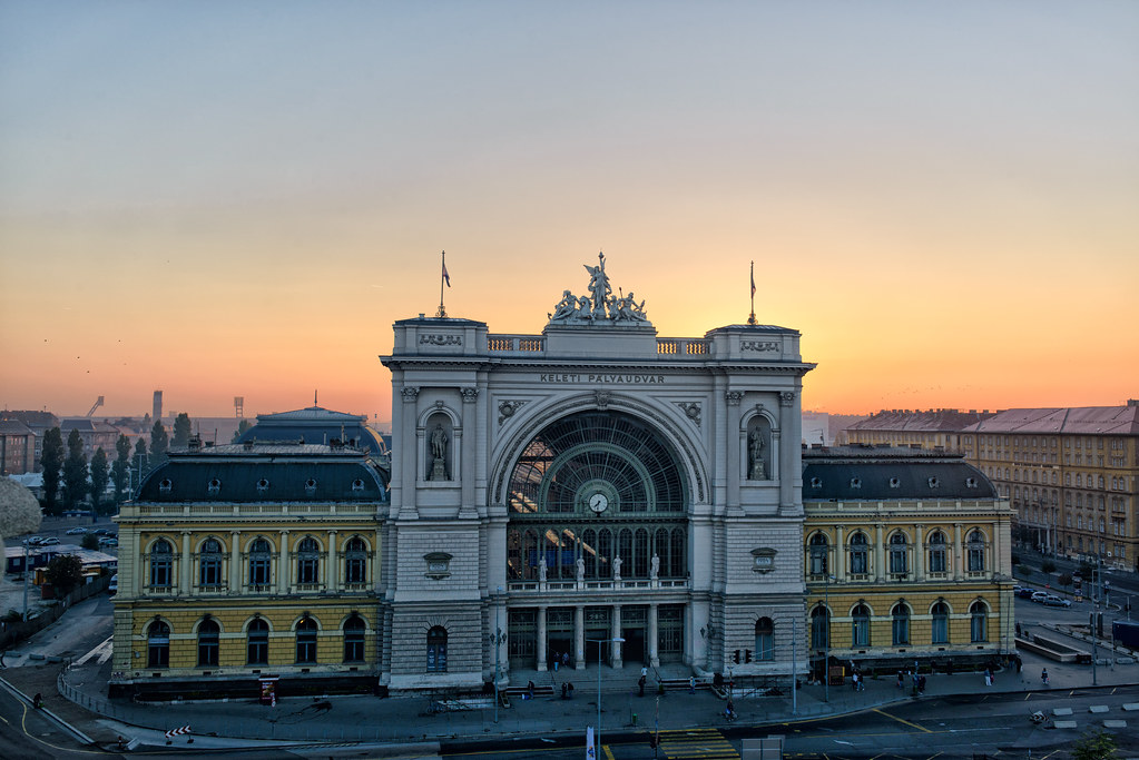 keleti train station budapest sunrise behind keleti p lya flickr. Black Bedroom Furniture Sets. Home Design Ideas