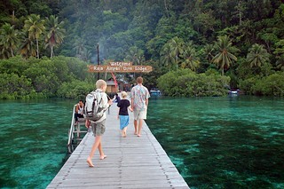 lovely resort jetty | by behang