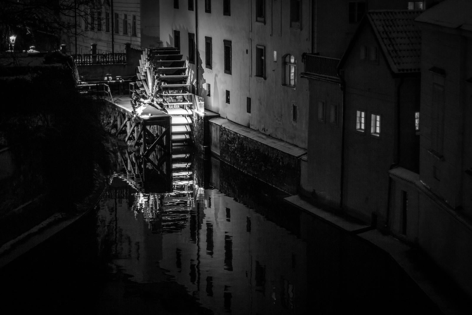 Charles Bridge at Night - Prague   by virtualwayfarer